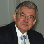 Dr. Héctor Mario Rengifo